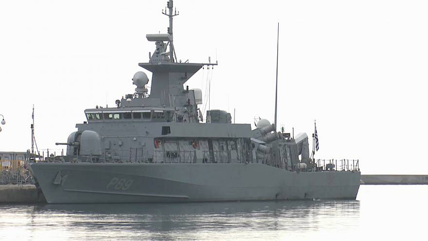Un barco turco colisiona contra un patrullero griego en el Egeo