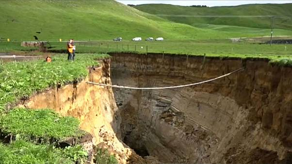 giant sinkhole New Zealand Bay of Plenty