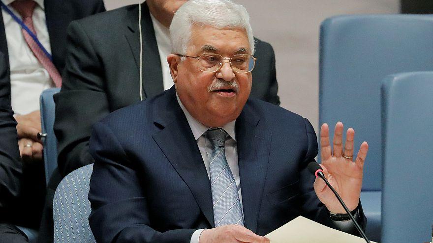 عباس يعتذر عن تصريحاته بشأن اليهود