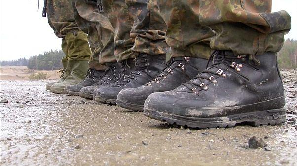 Verteidigungsministerin Ursula von der Leyen will Militär umbauen