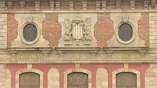 El Parlament modifica una ley para poder investir a Puigdemont a distancia