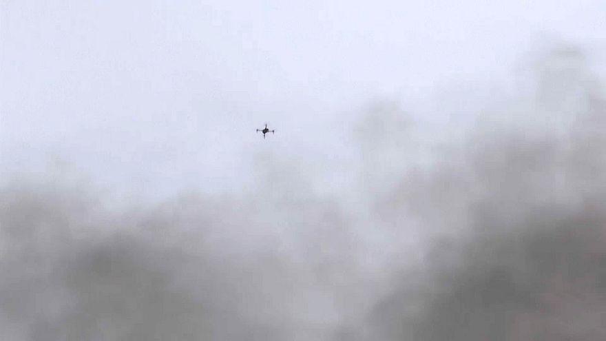 شاهد: متظاهرون فلسطينيون يسقطون طائرات إسرائيلية مسيرة