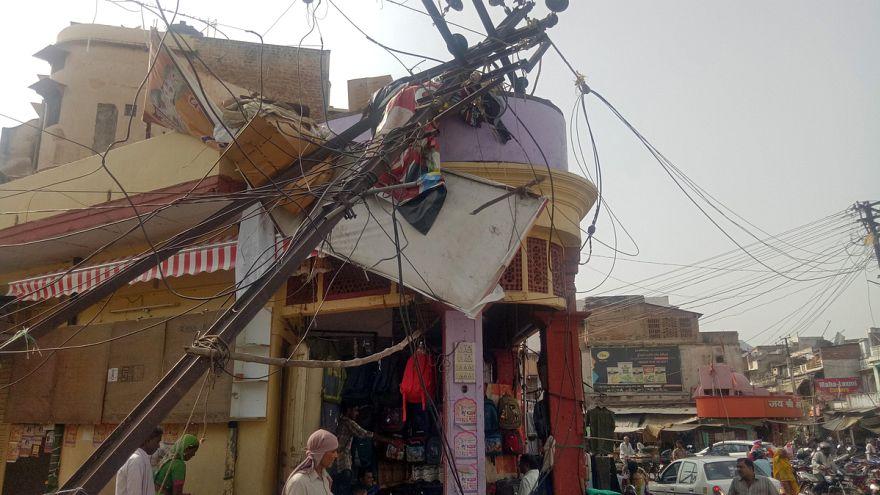Porvihar söpört végig India északi részén