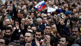 Nach Journalistenmord: Massenproteste in der Slowakei reißen nicht ab