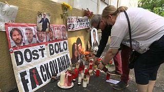 """Manifestaciones antigubernamentales """"en vísperas de la boda"""" de Kuciak"""