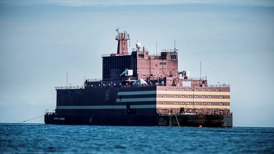 """Greenpeace segue trajeto da """"Chernobyl flutuante"""""""