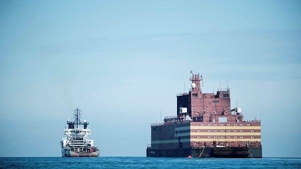 Rusya'nın 'yüzen nükleer santrali' Akademik Lomonosov tepki çekiyor