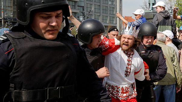 Более 1600 человек задержаны в ходе акций протеста в России