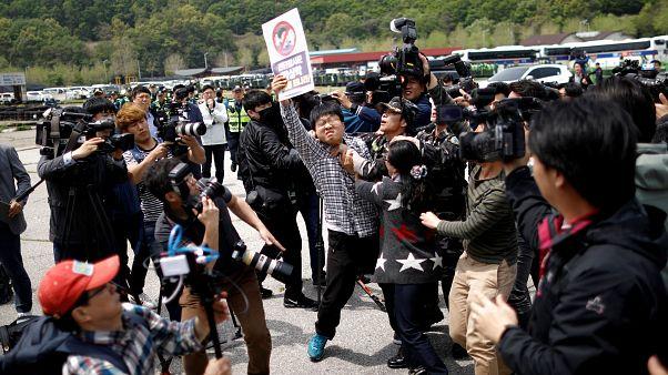 Διαδήλωση ακτιβιστών στην νοτιοκορεατική μεθόριο