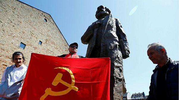 Marx-szobrot lepleztek le a filozófus szülővárosában