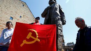 Estátua de Marx: Justa homenagem ou presente envenenado?
