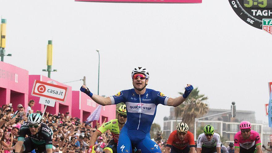 İtalya Bisiklet Turu'nun 2.etabını Viviani kazandı