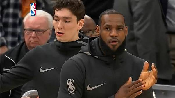 Lebron James masterclass sinks Toronto Raptors