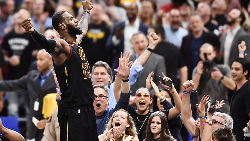 "Play-offs : ""King James"" stratosphérique face à Toronto"