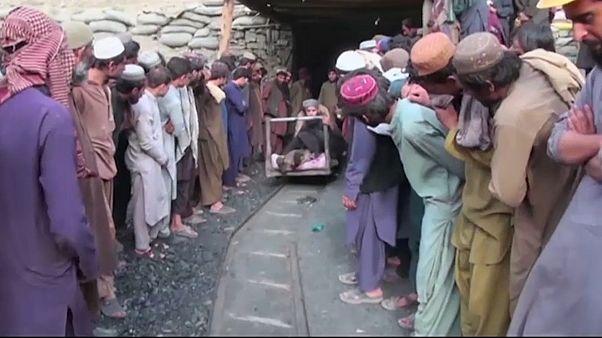 18 mineiros morrem em explosão no Paquistão