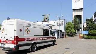 Un mort et trois disparus dans un accident de mine en Pologne