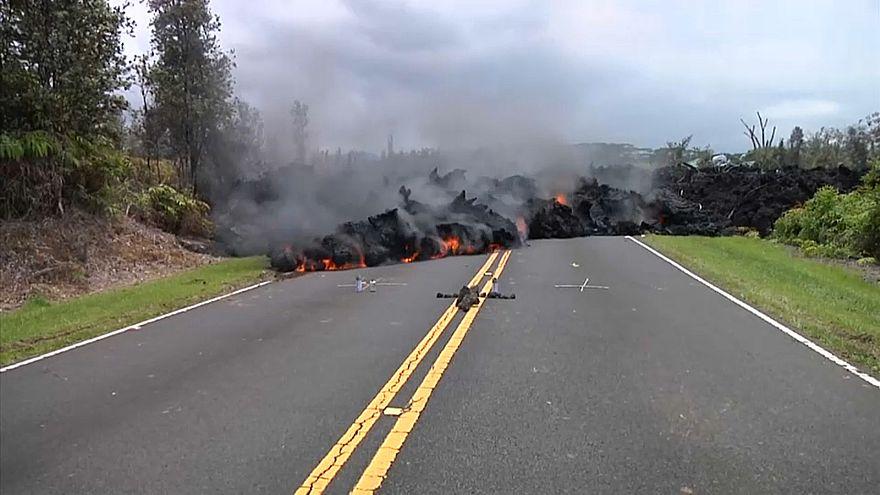 Hawaii'de Kilauea Yanardağı faaliyete geçti