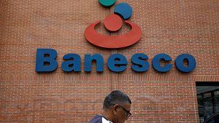 Nicolas Maduro contro le banche private