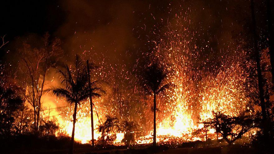 Neue Lavaspalten und Schwefelgasgefahr auf Hawaii