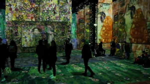 Parigi: immersi nell'arte di Klimt in una ex fonderia
