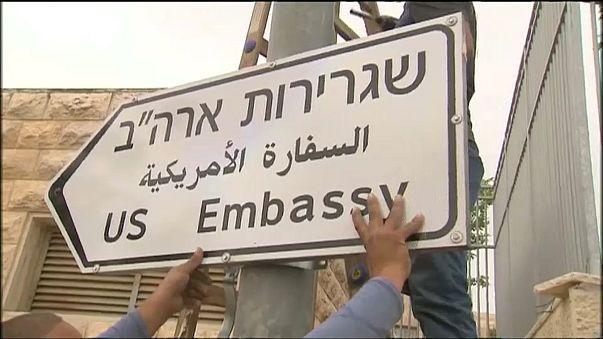 Indicação de trânsito embaixada dos Estados Unidos em Jerusalém