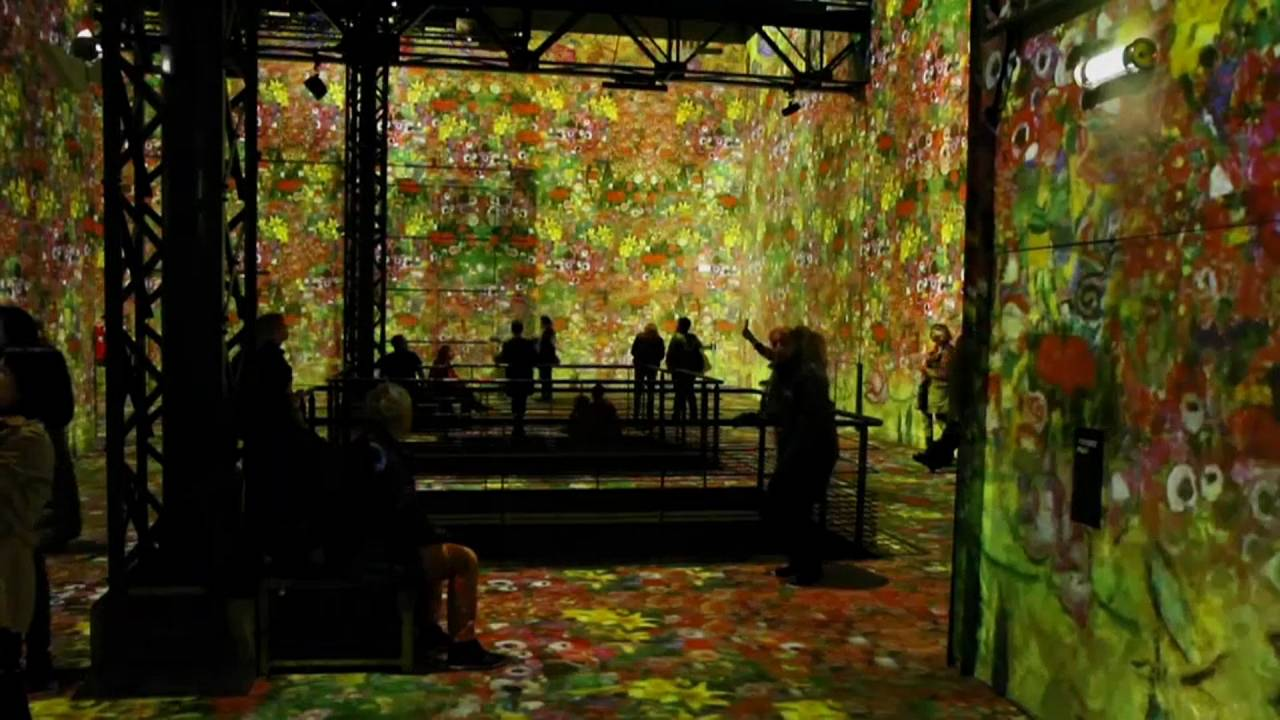 L'atelier des lumieres in Paris
