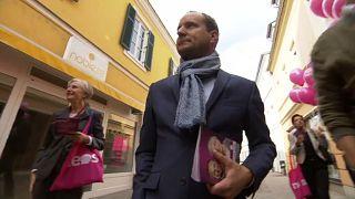 Matthias Strolz im Straßenwahlkampf