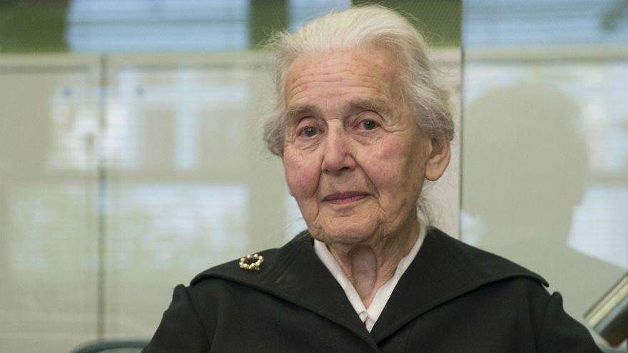 Haftstrafe nicht angetreten: 89-jährige Holocaust-Leugnerin verhaftet