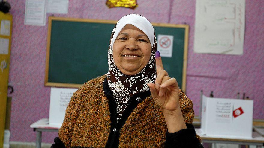 Выборы в Тунисе: побеждают умеренные исламисты