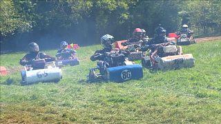 Saison der Rasenmäher-Rennen eröffnet
