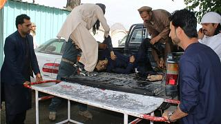 طائرات أفغانية تقتل وتصيب 107 من المدنيين الشهر الماضي
