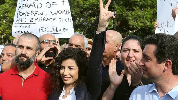 La escritora y periodista Joumana Hadad durante la protesta en Beirut