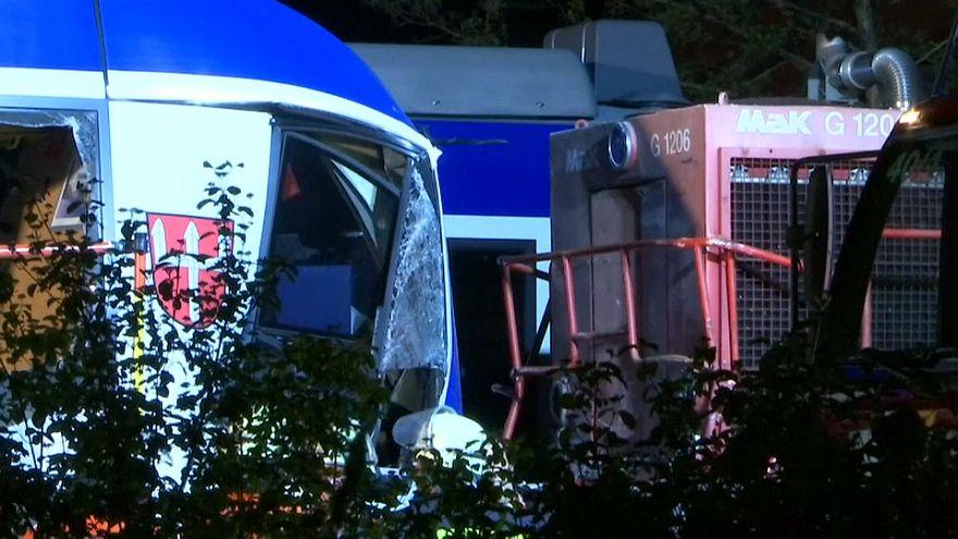 مصرع شخصين على الأقل في حادث اصدام قطارين جنوب ألمانيا