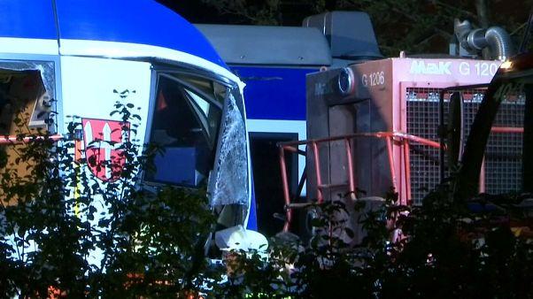 Germania, almeno 2 morti nello scontro tra due treni