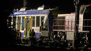 Colisão entre dois comboios provoca dois mortos e mais de uma dezena de feridos