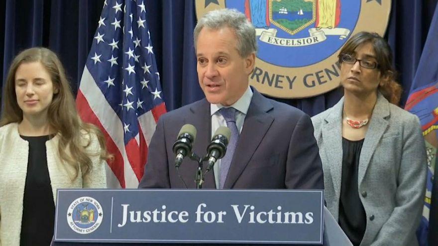 Dimite el fiscal general de Nueva York tras cuatro denuncias por abuso