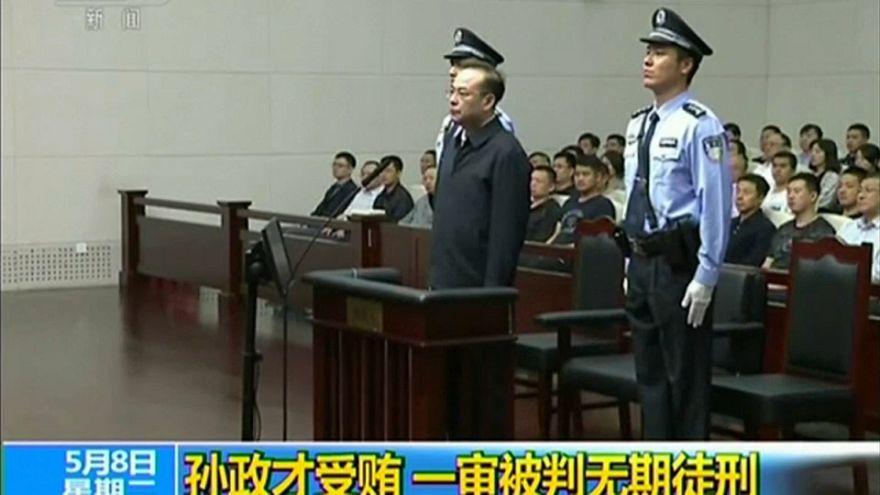 Ex-dirigente comunista condenado a prisão perpétua