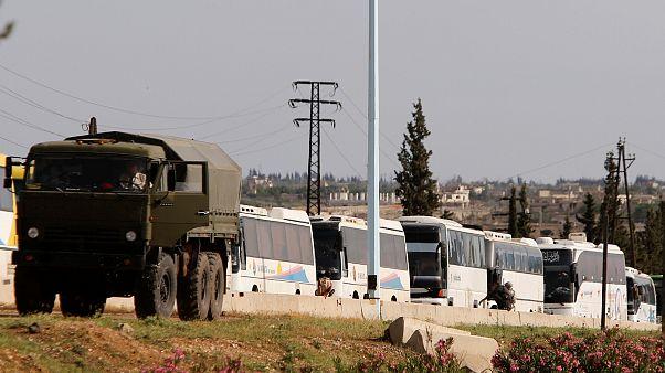 Rebeldes sírios deixam último grande bastião