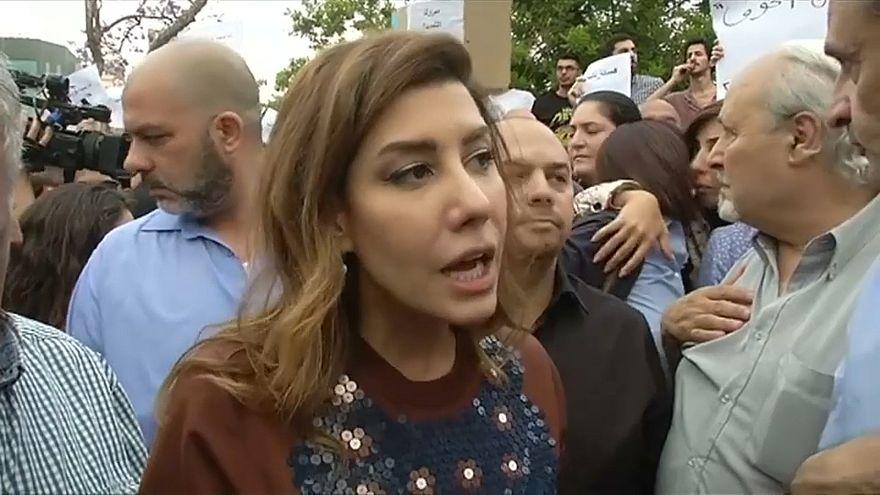 الإعلامية بولا يعقوبيان في المظاهرة