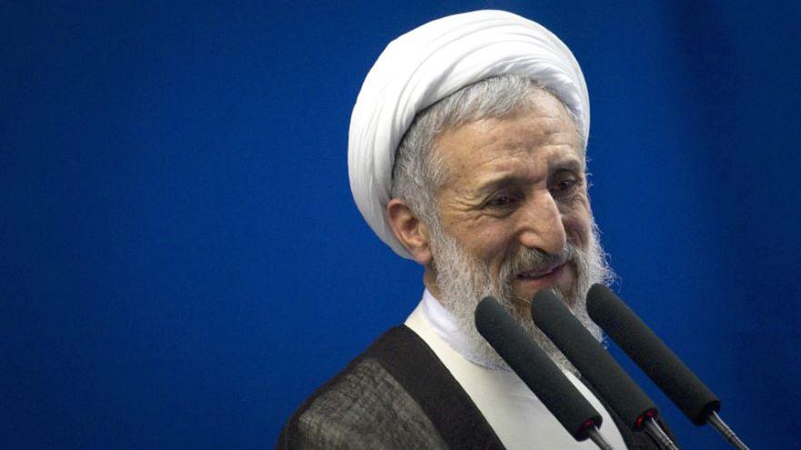 إمام إيراني: صدقت نبوءة خامنئي بفشل الاتفاق النووي