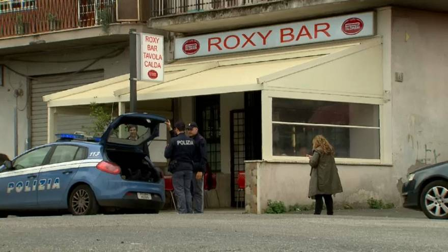 Roma, quattro arresti per il raid al bar della Romanina