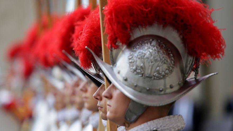 Vatican : la garde suisse se renforce