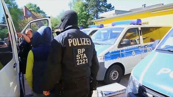 الشرطة الألمانية تشنّ حملة على جماعات تنشط في الإتجار بالبشر