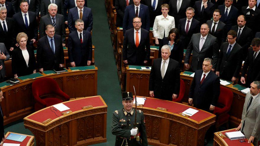 Megalakult az új parlament