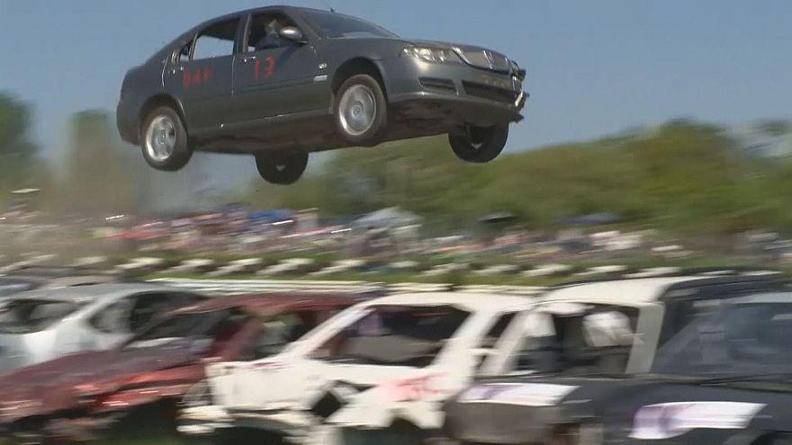 Чемпионат по прыжкам на автомобилях