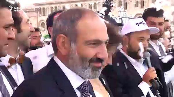 Győzött az örmény ellenzék: megvan az új kormányfő