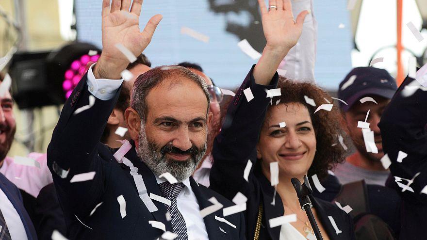 Armenien feiert neuen Regierungschef Paschinjan