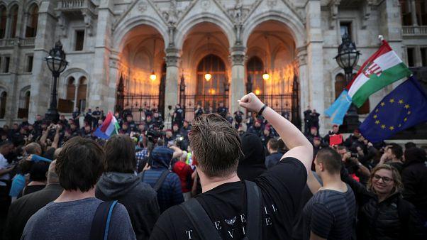 Митинг против политики Орбана