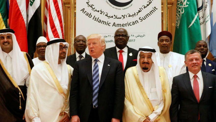 ابتهاج سعودي إماراتي وصمت قطري بعد انسحاب أمريكا من إتفاق إيران