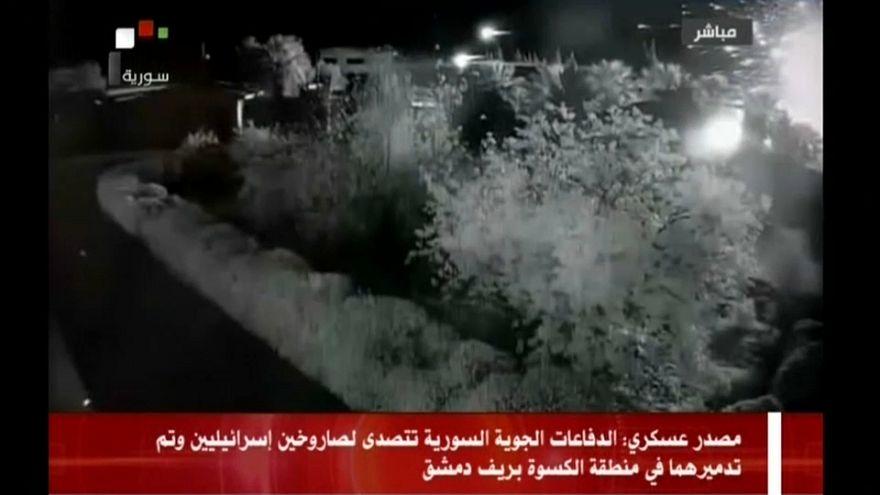 Siria, missili su una base militare nei sobborghi di Damasco